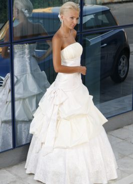 Bridal dress collection 907