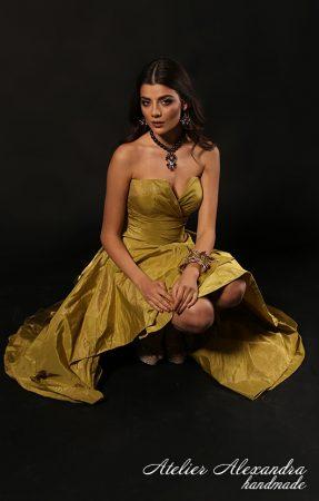 Дизайнерска рокля от ателие александра - абитуриентски рокли